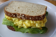 egg_salad_sandwich_1
