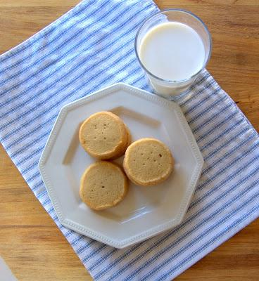 butter cookies and milk