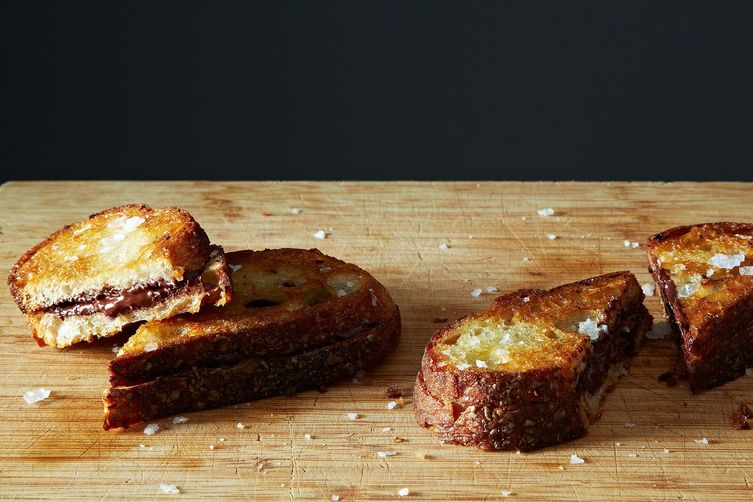 grilled-chocolate-sandwiches-1